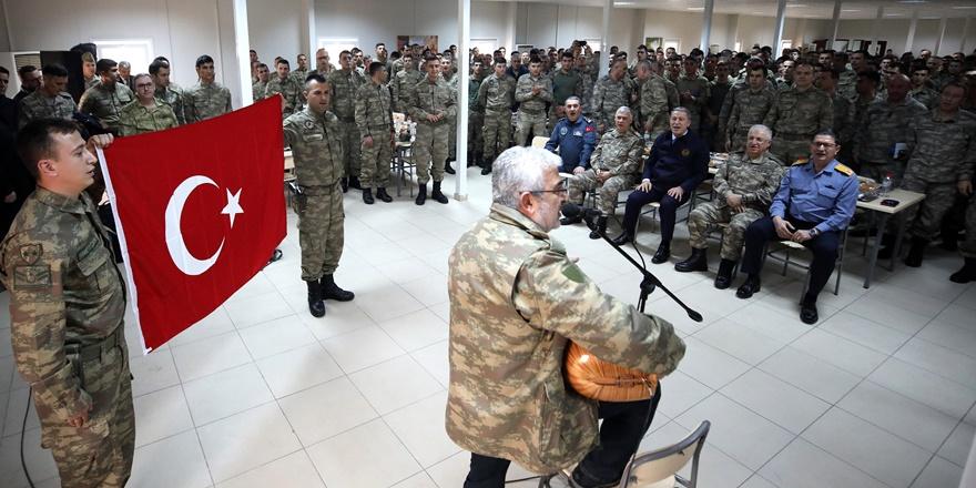 bakan-akar-ve-tsk-komuta-kademesi-diyarbakir'da-mehmetcikle-bir-araya-geldi-(3).jpg