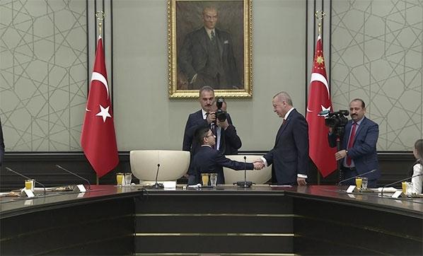bestepe-de-23-nisan-cumhurbaskani-erdogan-cocuk-4057668-001.jpeg