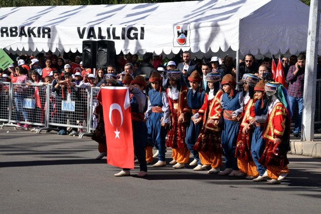 cumhuriyet-kultamalari-diyarbakir-(2).jpg