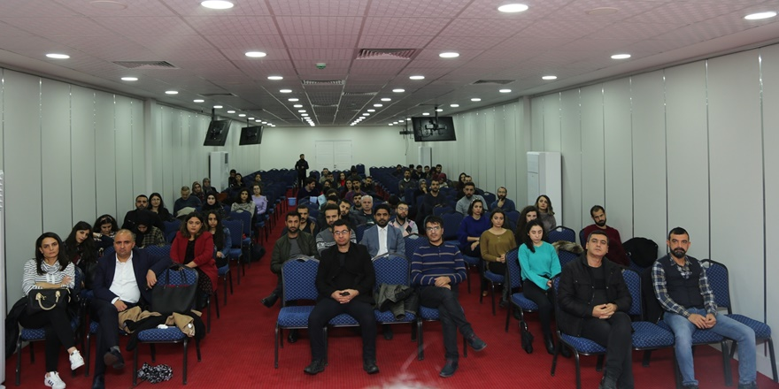 diyarbakir-barosundan-stajyer-avukatlara-egitim-semineri-(2).jpg
