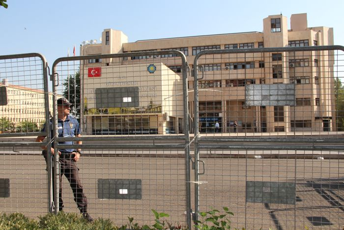 diyarbakir-kayyum-(2).jpg