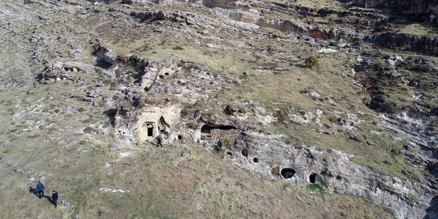 diyarbakirda-suryanice-kitabe-literaturde-bir-ilk-(2).jpg