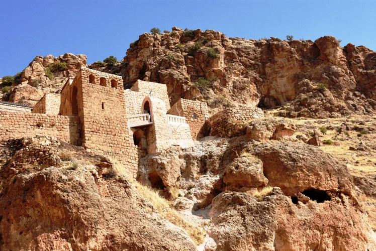 guneydogunun-sumela-manastiri-kesfedilmeyi-bekliyor_2471_dhaphoto10.jpg