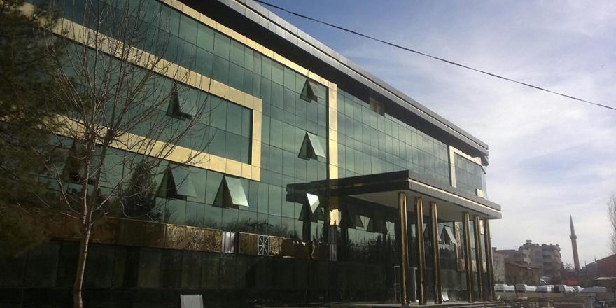 hdpli-siirt-belediyesine-icra--(2).jpg