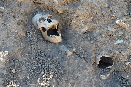 kemikler-bir-yildir-gomulmedi----(2).jpg