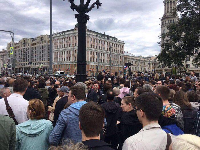 rusyada-secim-protestosu-25-gozalti-001.jpg