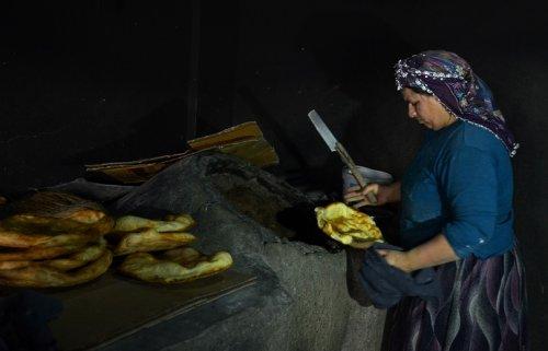 yoksul-kadinlarin-ekmek-kapisi----(2).jpg