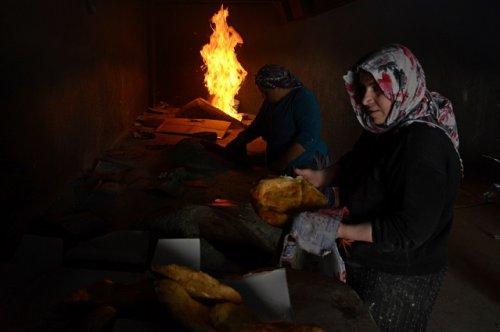 yoksul-kadinlarin-ekmek-kapisi----(3).jpg