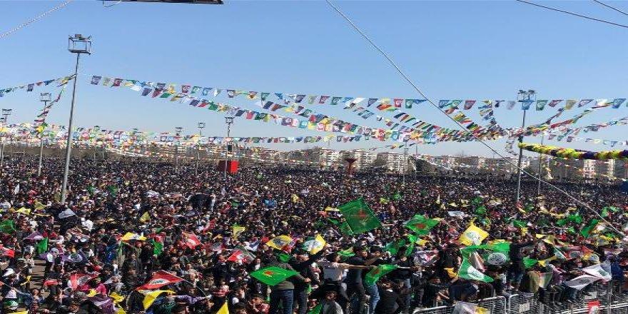 Diyarbakır Newroz'u başladı