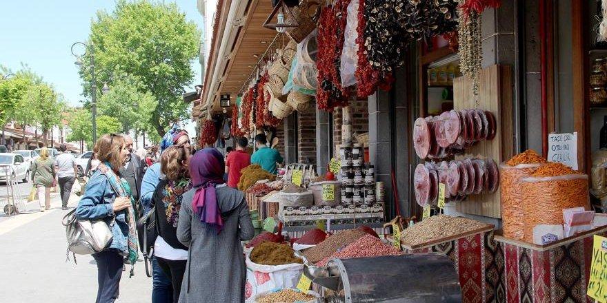 Krizin gölgesinde Ramazan bereketi