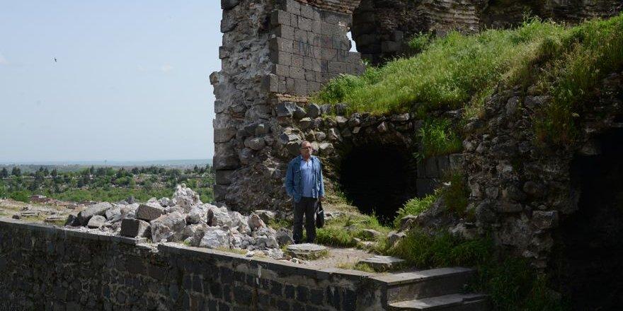 5 bin yıllık tarih yıkılıyor, yetkililer izliyor!