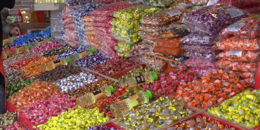 Çocuklar evde, bayram şekeri tezgahta kaldı