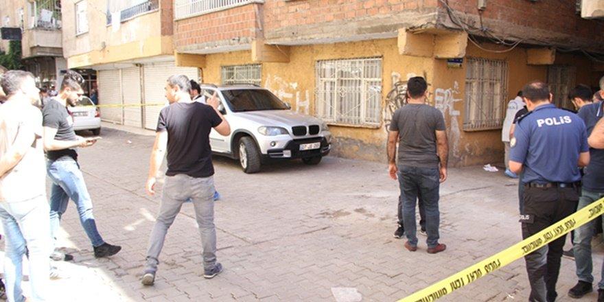 Saldırıya uğrayan polis memuru şehit oldu