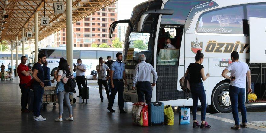 Kısıtlama kalktı, Diyarbakır şehirler arası seferde hareketlilik başladı