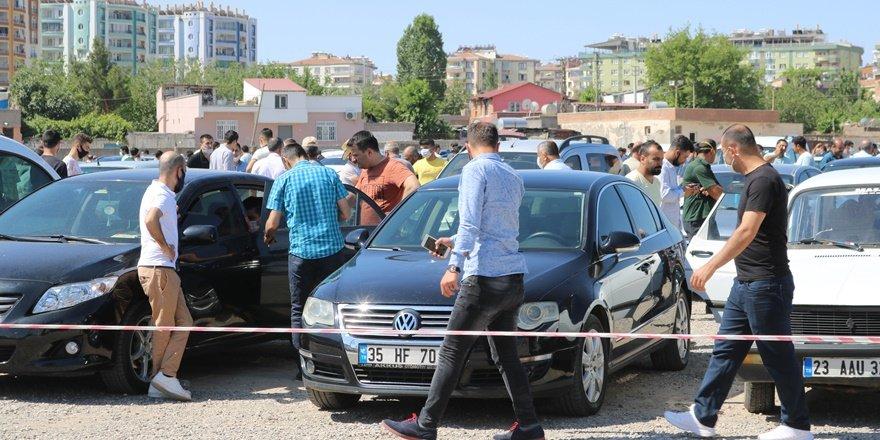 Diyarbakır'da İkinci el oto pazarı 'korona pazarı' oldu