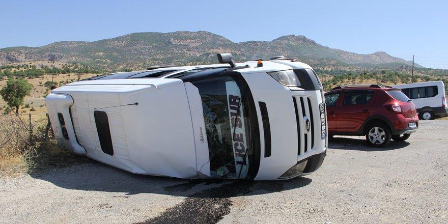 Diyarbakır-Bingöl Karayolu'nda kaza: 3'ü ağır 13 yaralı