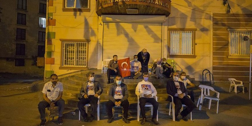 Diyarbakır'daki evlat nöbeti 24 saat tutulacak