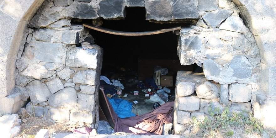 Diyarbakır'da UNESCO mirası çöplük içinde!