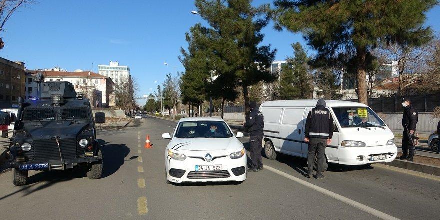 Diyarbakır'da kısıtlama sessizliği